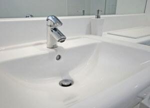 een goedkope badkamer realiseren