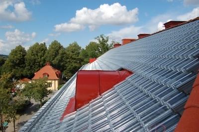 Glazen dakpan zonne-energie